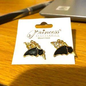 Gorgeous cool 😎 Bird 🦅 Stud Earrings!